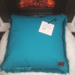 Ugg Royale Solid Throw Pillow (Enamel Blue)